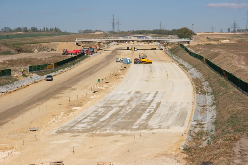 """AGV Construction was awarded the construction of a section of the six-lane 260-kilometer """"superhighway"""""""